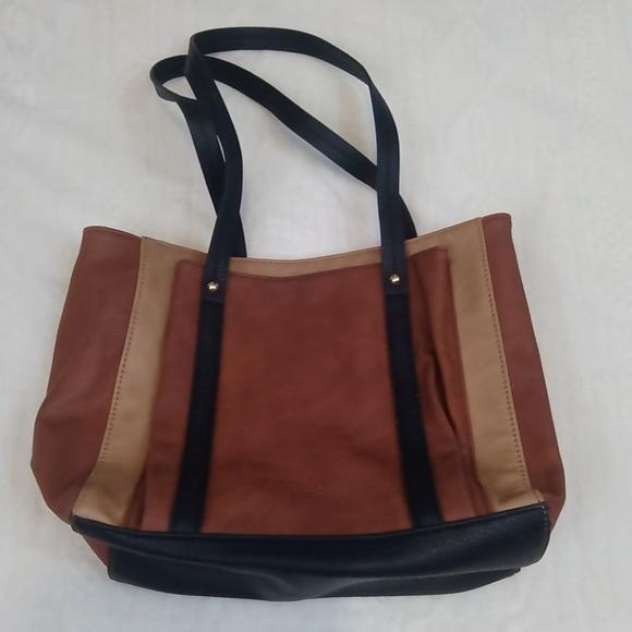 Relic Handbags - Relic Shoulder Bag!